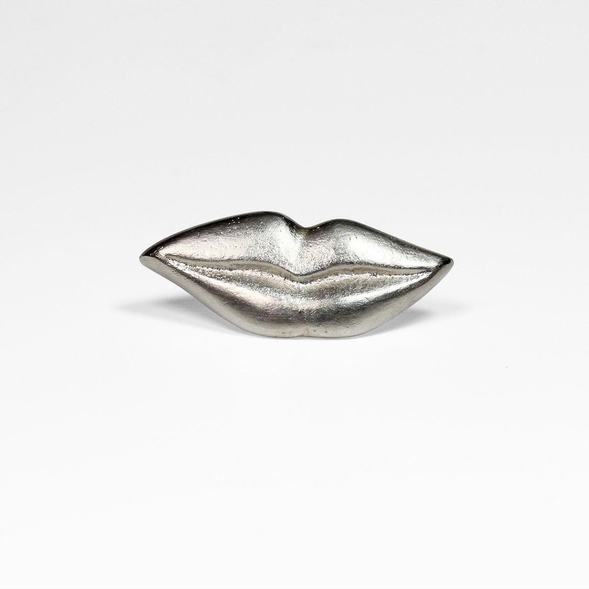 »Mona Lisa« / Pin / Sandguss Silber / Mund