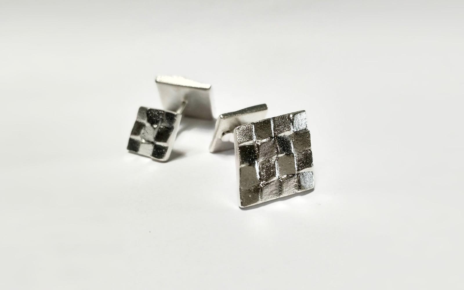 Manschettenknöpfe / Sandguss Silber