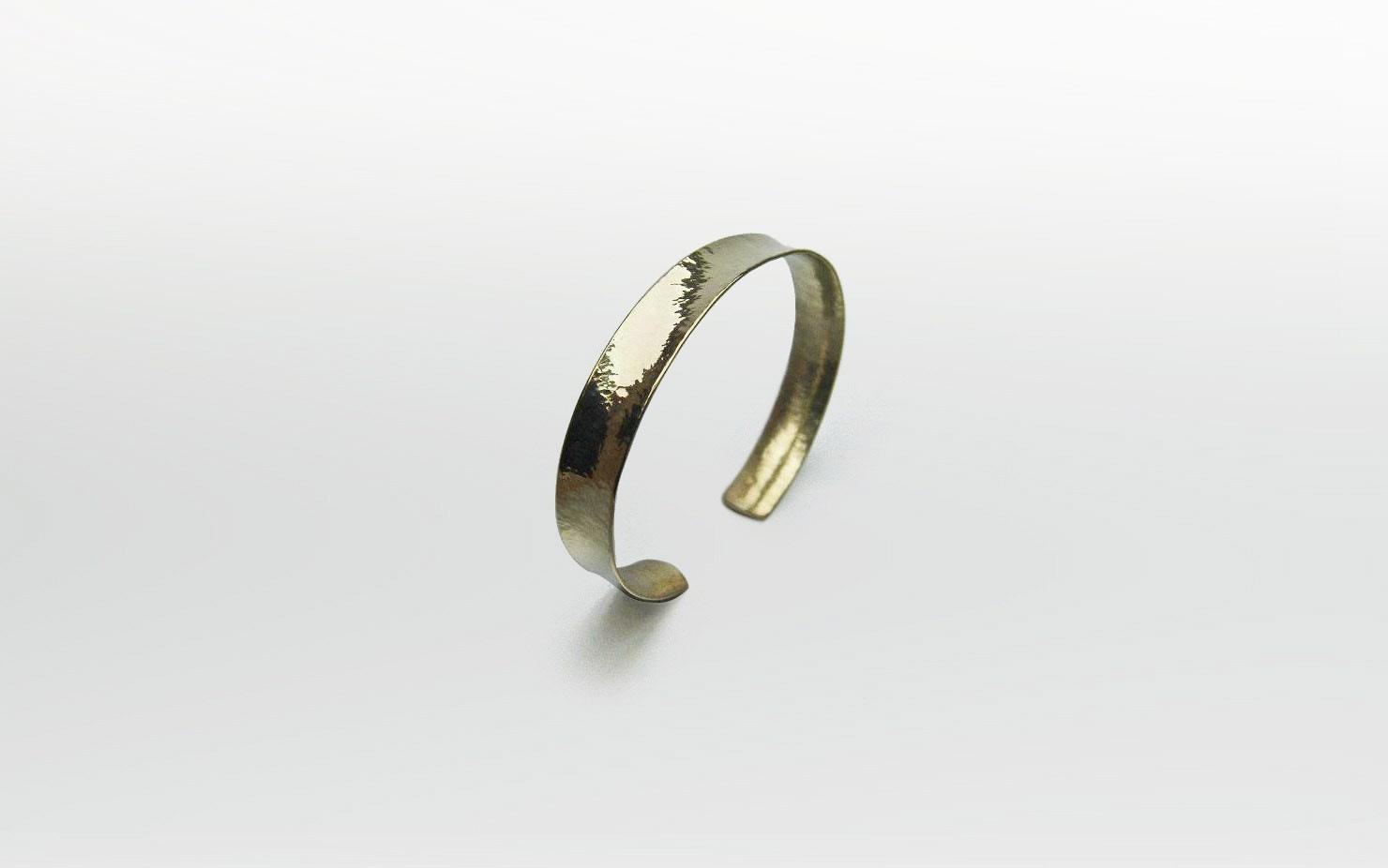 Armspange / Gold geschmiedet